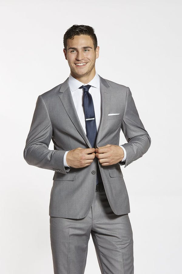 How to alter your wedding suit. Recommendations on making alterations to wedding suit jackets for men