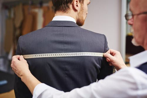 How to know if your suit fits. Guide to finding a great fitting wedding suit
