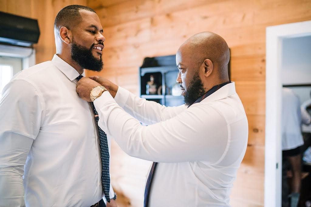 Wedding photos ideas for the groom and groomsmen