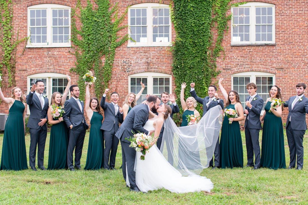Seven wedding party photos ideas