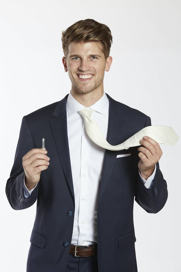 Men's wedding accessories_ how to wear tie bars with wedding suits