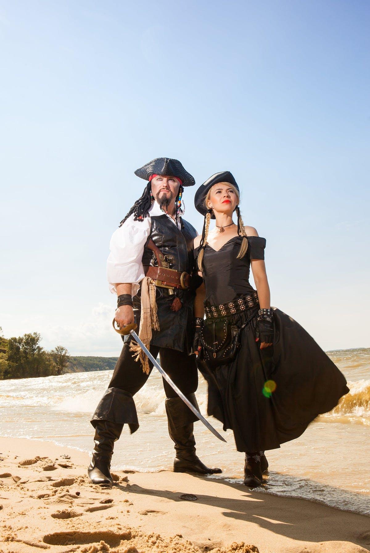pirate couples costume ideas
