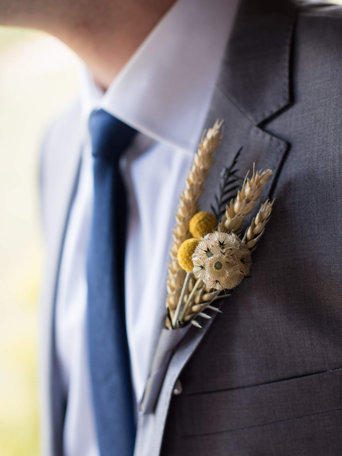 grey and yellow wedding colors