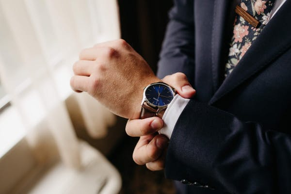 what watch should I wear with a suit?