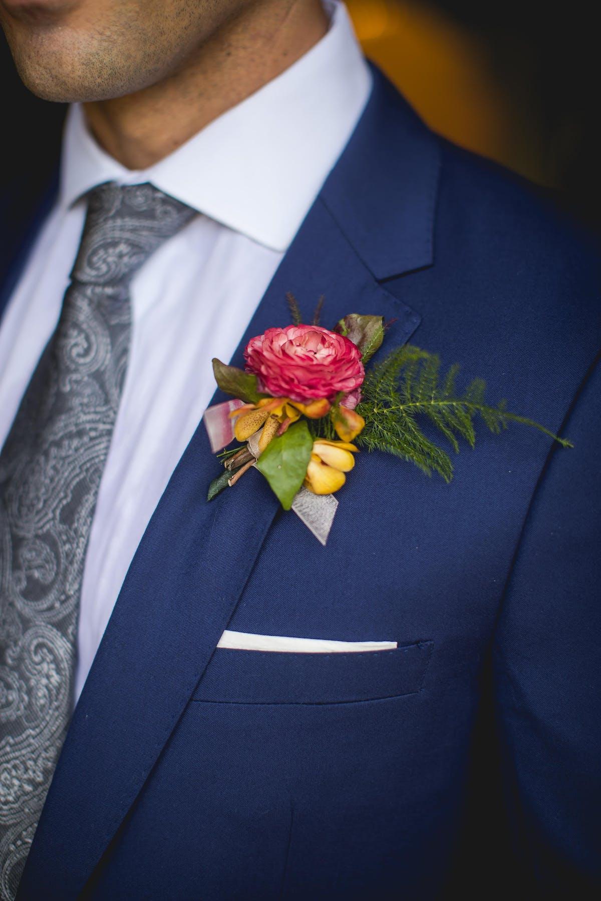 Spring Wedding Ideas: Groom Boutonniere